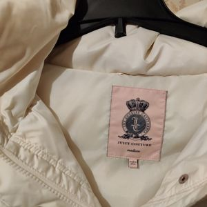 Juicy Couture Whit puffer coat